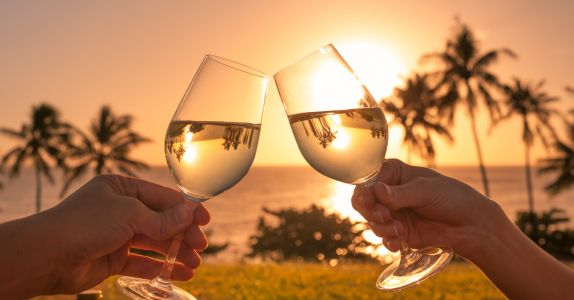 We Asked 15 Sommeliers: What's the Best Wine in Your Beach Bag this Summer?