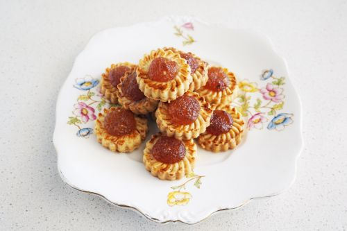 Pineapple Jam Macadamia Shortbread Cookies
