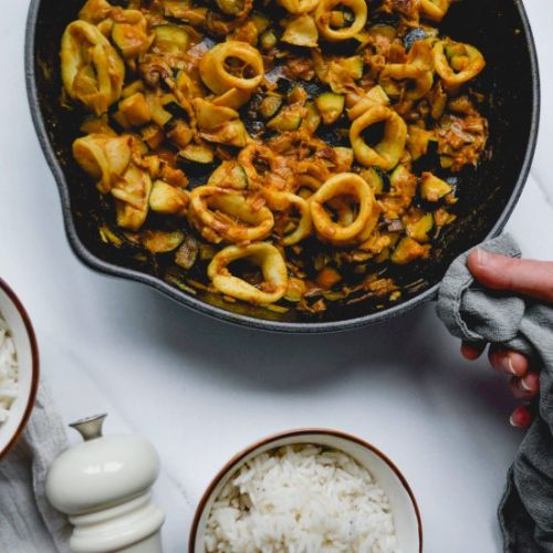 Curry with squid and courgette