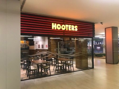 Hooters Newest Bolivia Location Opens in Santa Cruz