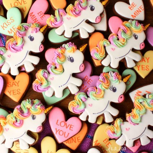 How To Make Decorated Unicorn Cookies with Rainbow Hair