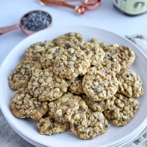Vegan Oatmeal Chocolate Chip Cookie