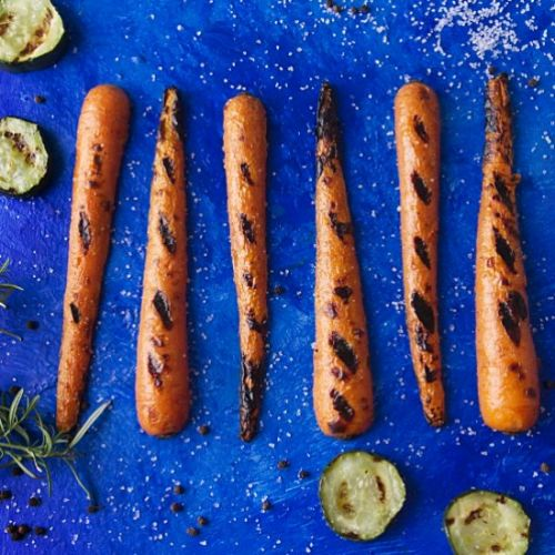 Grilled Garlic and Rosemary Carrots