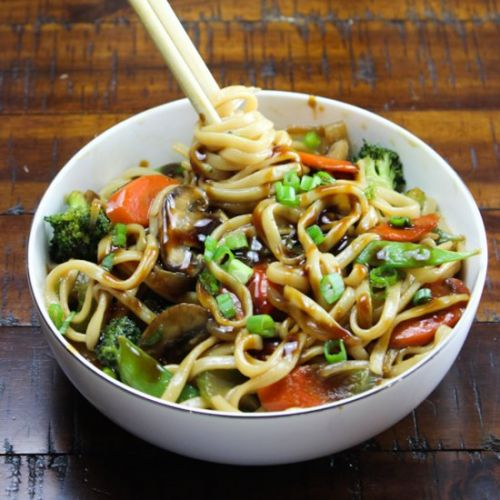 Vegetable Lo Mein Noodles