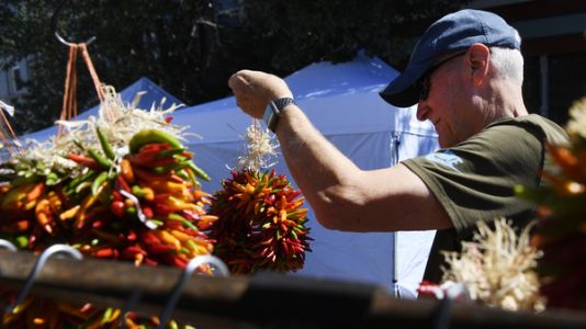The Chile Pepper Rivalry Heats Up Between New Mexico's Hatch And Colorado's Pueblo