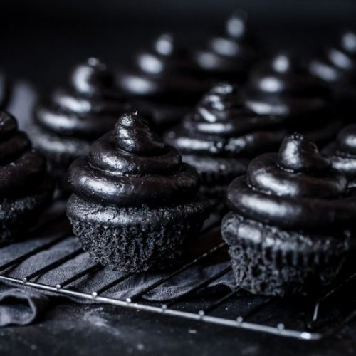 Black Heart Halloween Cupcakes