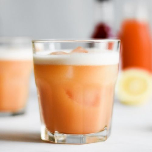 Apricot Whiskey Sours