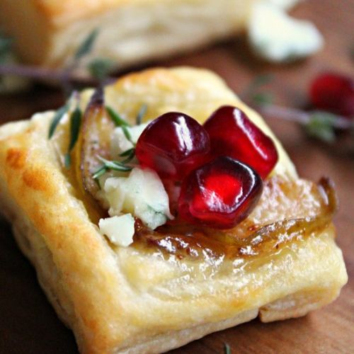 Pear Blue Cheese Puff Pastry Bites