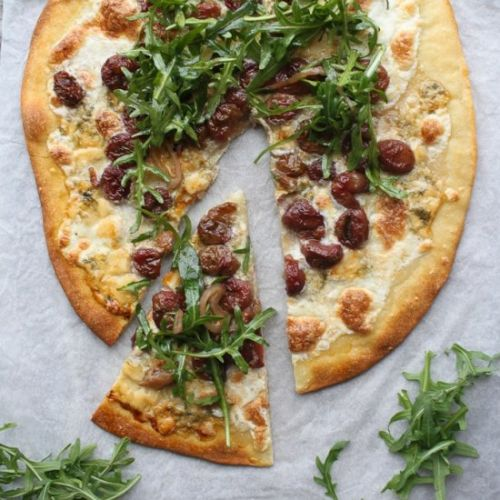 Arugula Pizza with Roasted Grapes