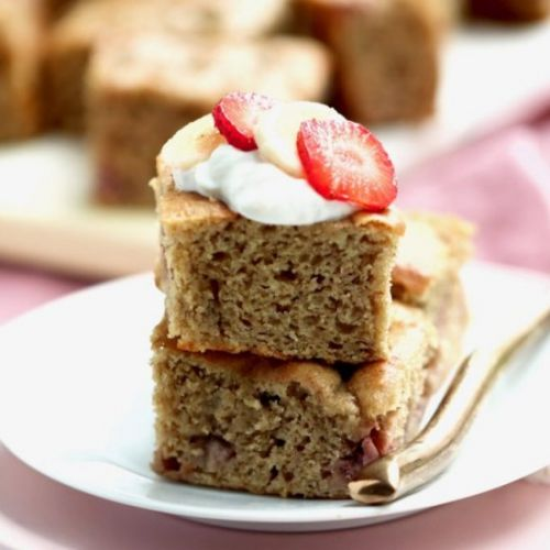 Strawberry banana yogurt snack cake