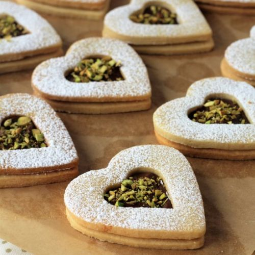 Nutella and Pistachio Heart Cookie