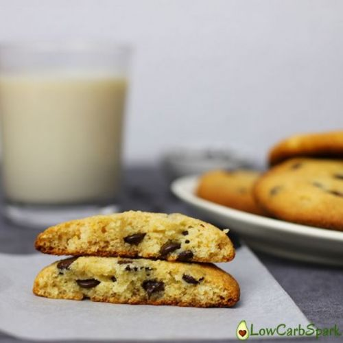 The Best Keto Chocolate Chip Cookie