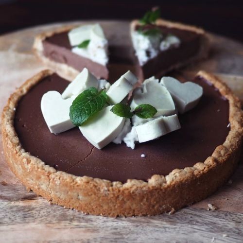 Vegan mint chocolate tart