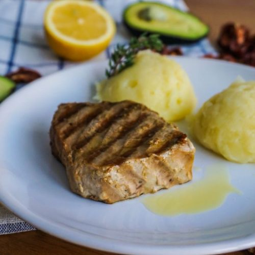 Juicy Grilled Tuna Steaks