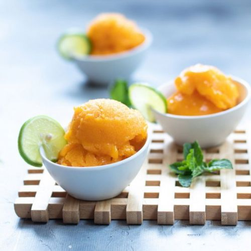 Mango sorbet with lime and mint
