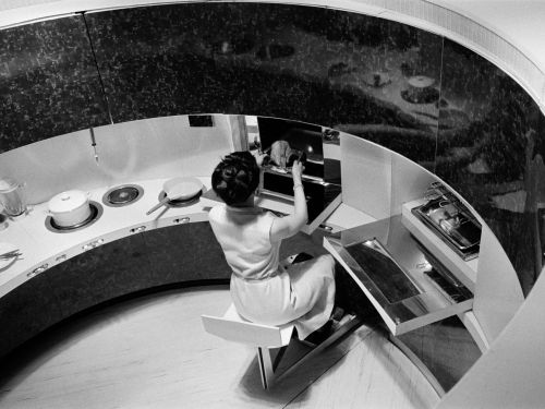 CES's Kitchen of the Future Is Sort of a Nightmare