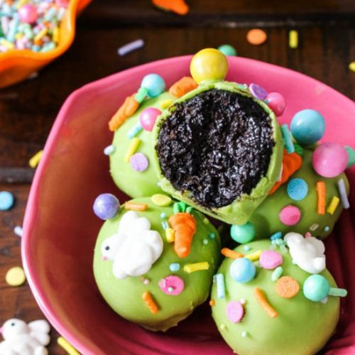 Chocolate Easter cake pops