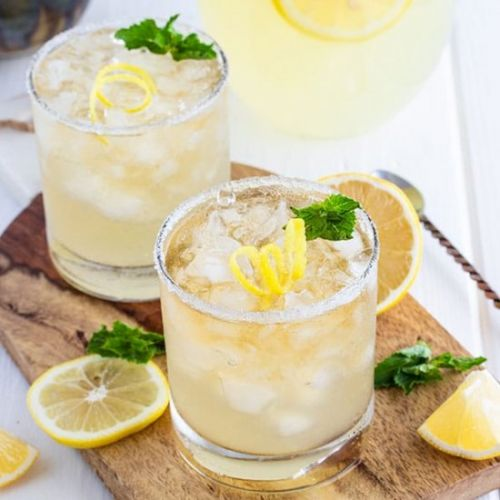 Whiskey Lemonade with Honey