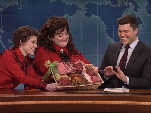 Watch Kate McKinnon and Aidy Bryant Play Oddball Meat Purveyors on 'SNL'