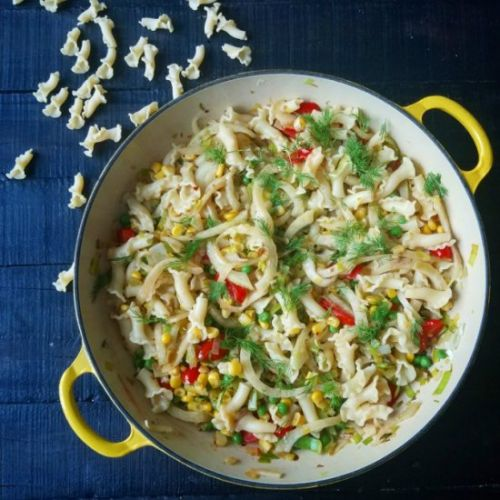 Pasta with fennel, tomatoes