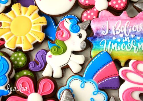 How To Make Decorated Full Body Unicorn Cookies