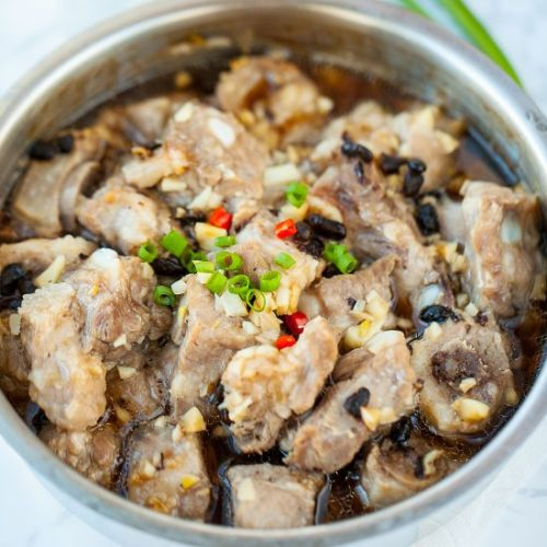 STEAMED PORK SPARERIBS WITH BLACK B