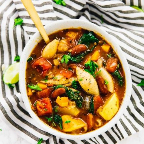 One Pot Hearty Minestrone Soup