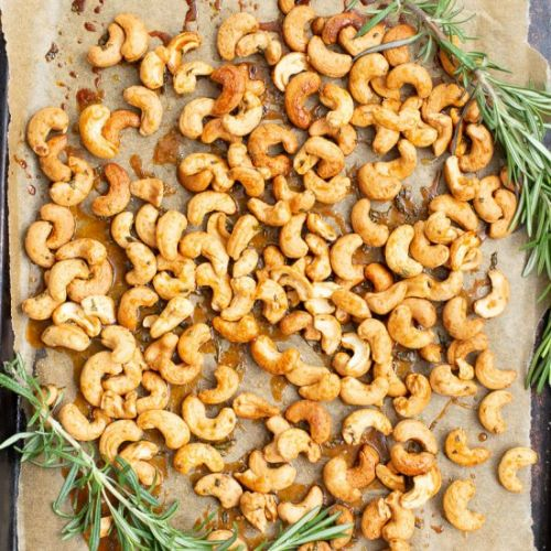 SWEET & SPICY ROASTED CASHEWS