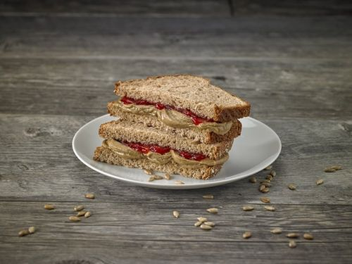 Working to End Hunger with a Record-Breaking Number of Sandwiches