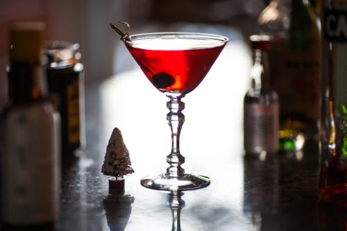 Impress Your Guests This Holiday With This Cocktail