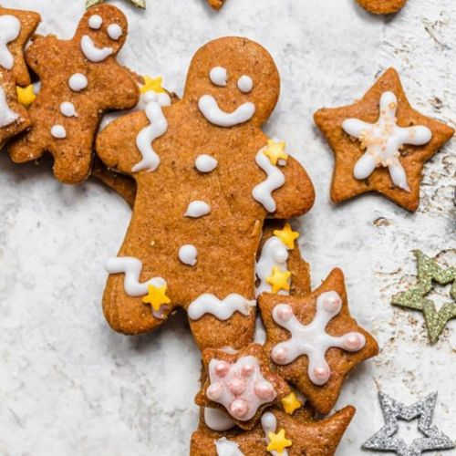 Vegan Gingerbread Wreath & Shapes