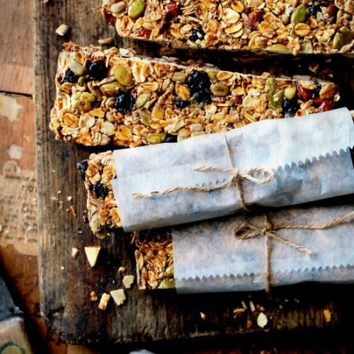 Chewy Blueberry Granola Bars