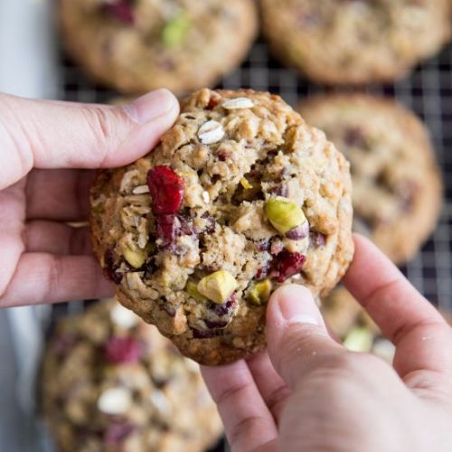 Pistachio Oatmeal Cranberry Cookies