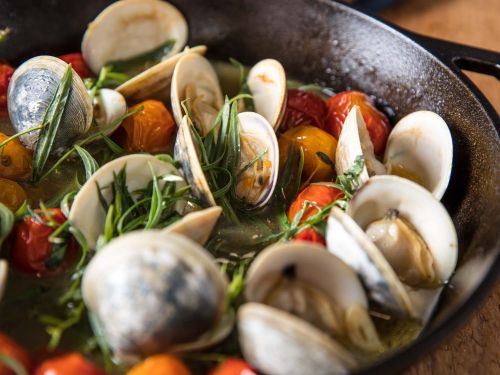 Broiled Clams With Tomatoes, Butter, and Tarragon