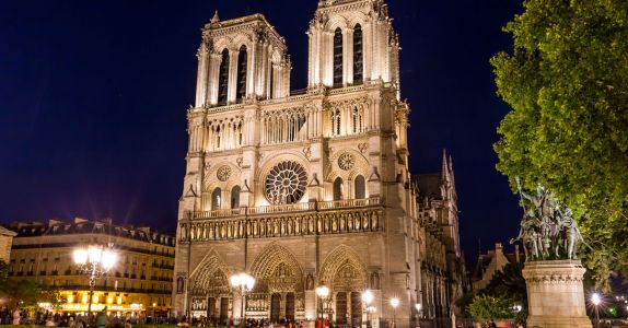 Notre-Dame Fire: LVMH and Latour Owners Pledge 300 Million Euros