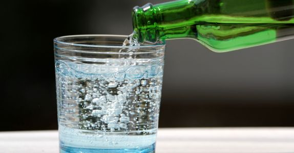 What's the Difference Between Club Soda, Seltzer, and Sparkling Water?