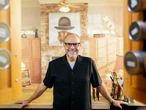 Alton Brown on Remixing 'Good Eats' and the Problem With Director's Cuts