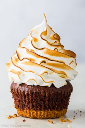 Meringue-Topped S'Mores Cupcakes
