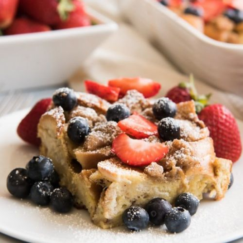 BERRY BREAKFAST BAGEL FRENCH TOAST