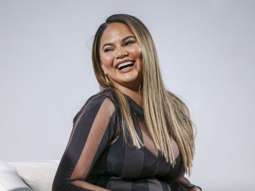 Twitter Is Horrified by Chrissy Teigen Cooking With Her Bare Hands