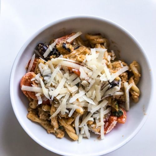 Red Pesto Pasta with Roasted Veggie