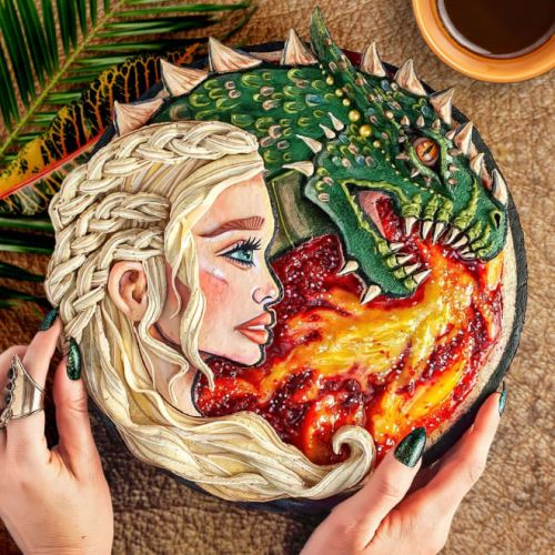"""This Baker Made the Most Incredible Pie to Honor the Final Season of """"Game of Thrones"""""""