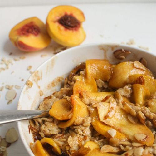 Oatmeal with Glazed Peaches