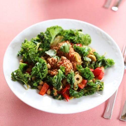 Pasta with Kale and Red Pepper