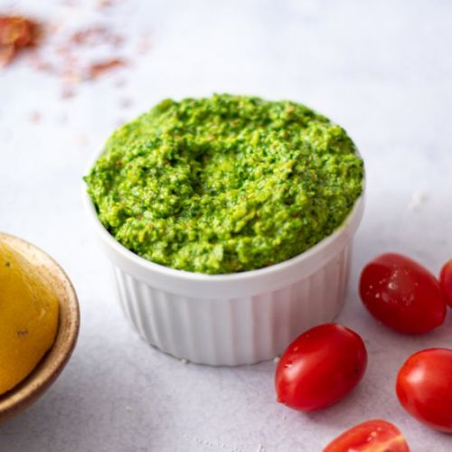 Spicy summer arugula pesto
