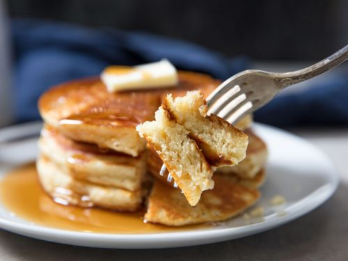 Thick and Fluffy Pancakes From Homemade Pancake Mix