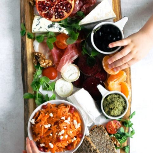 How to Make a Xmas Antipasti Board