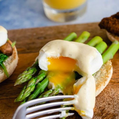 Five ways to poach eggs