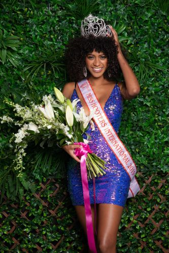 Briana Smith Crowned 2019 Miss Hooters International