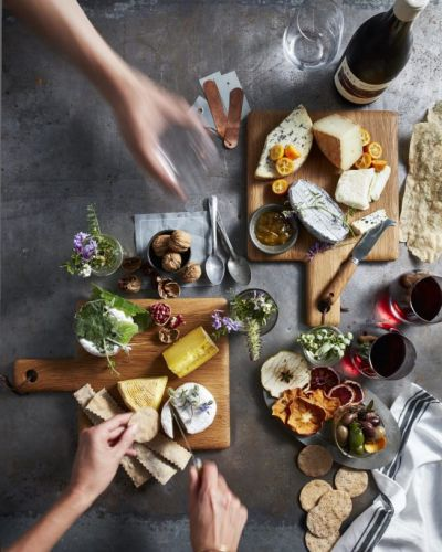 10 Tips to Make the Most of Your Airbnb Kitchen This Summer